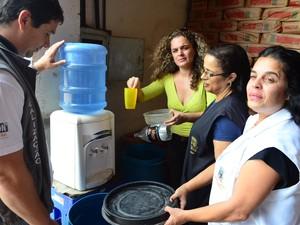 Supermercado interditado em Rio das Ostras (Foto: Mauricio Rocha/Secom Rio das Ostras)