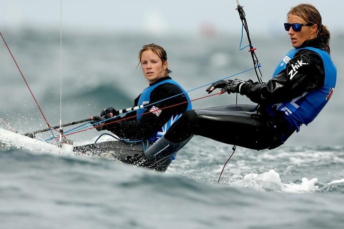 Hannah Mills e Saskia Clark vela  (Foto: Getty Images)