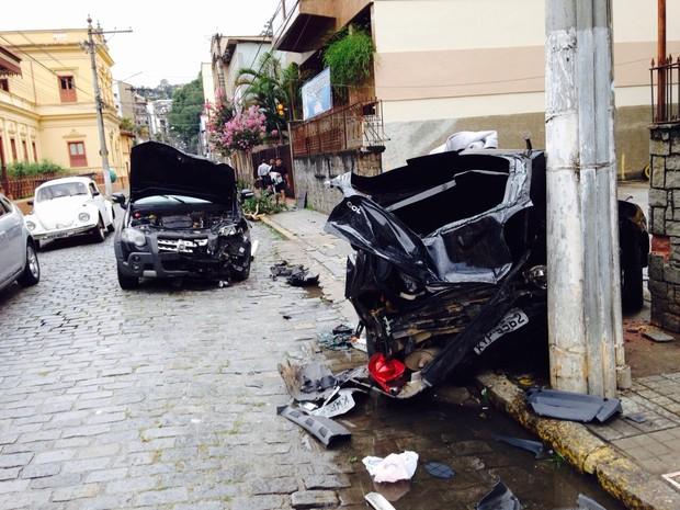 Impacto deixou o Gol bastante destruído (Foto: Lucas Costa / InterTV)