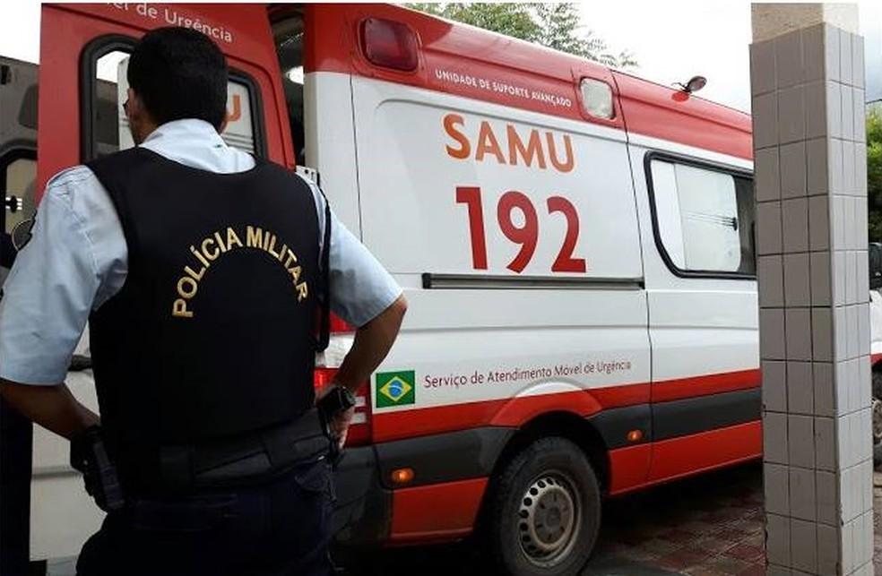 Cerca de 20 pessoas foram atingidas por raio em Russas, conforme a Polícia Militar, e sobreviveram. Algumas delas receberam atendimento do Samu (Foto: Massapê Notícias)