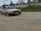 Buracos em estrada e avenida preocupam motoristas de Suzano