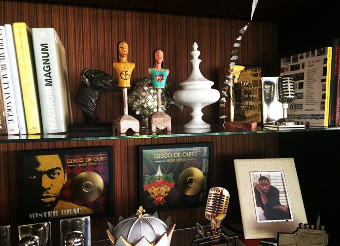Prêmios que consagram o artista e sua banda (Foto: Luciane Nicolino)