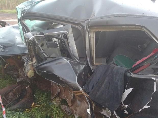 Acidente matou duas pessoas em Colorado (RS) (Foto:  Polícia Rodoviária Estadual/Divulgação)