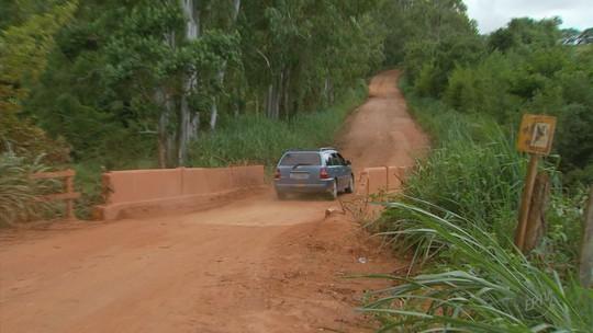 Motorista perde controle, carro cai de ponte e 2 morrem em Guapé, MG