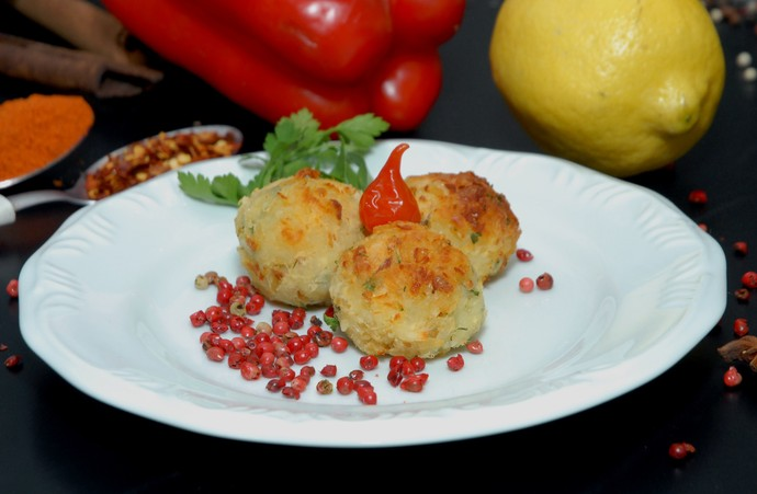 Bolinho Maromba, feito de batata-doce, faz parte da alimentação fit (Foto: TV Bahia)