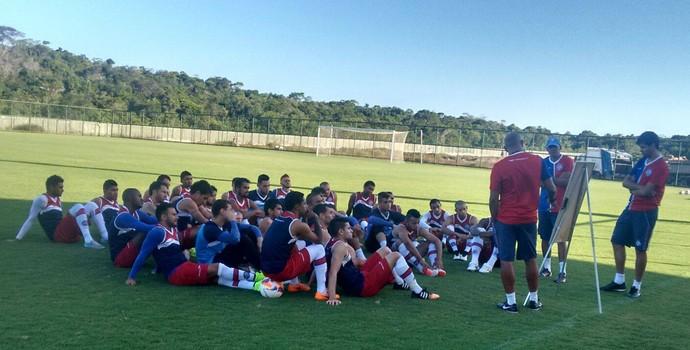 Bahia treina em Praia do Forte (Foto: Divulgação / E.C. Bahia)