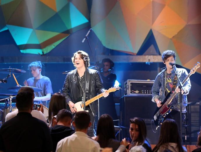 The Vamps agitam o programa Altas Horas (Foto: Carol Caminha/Gshow)