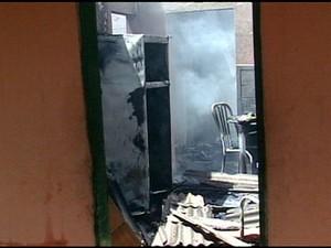 Polícia Civil investiga se o incêndio foi criminoso, no espírito santo. (Foto: Reprodução/TV Gazeta)