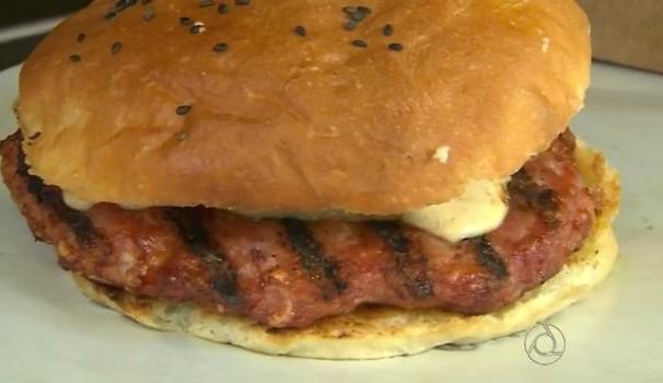 Chef JPB, hamburguer gourmet (Foto: Reprodução/TV Cabo Branco)