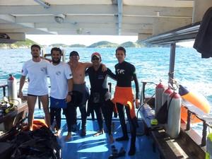 Equipe fez expedição para encontrar o peixe que tinha sido visto durante mergulho (Foto: Associação de Mergulho / Divulgação)