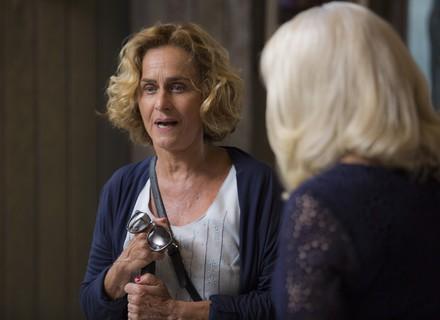 Silvia confronta Mág e avisa que sabe toda a verdade
