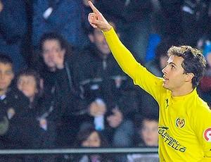 Nilmar, pretendido pelo Inter (Foto: AFP)