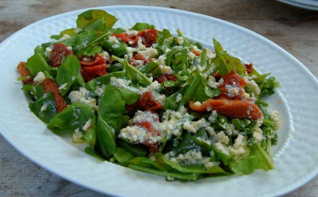 Salada de rcula com tomate (Foto: Divulgao)
