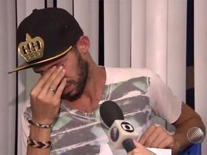 Padrinho faz apelo para encontrar menino (Foto: Reprodução/TV Bahia)