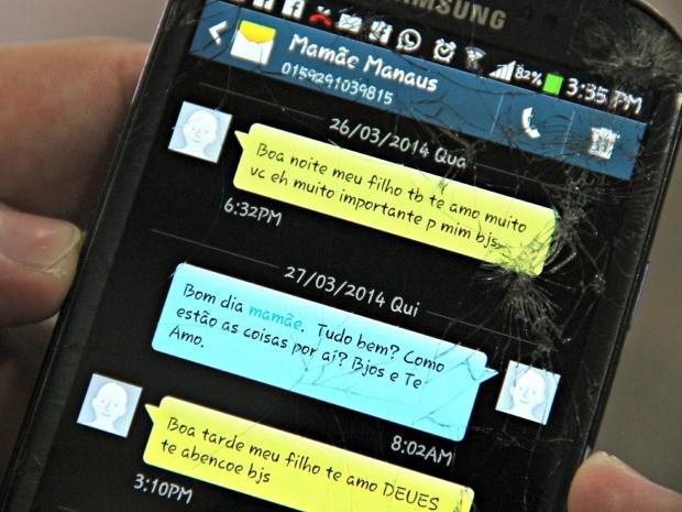 Bruno manteve última mensagem da mãe armazenada no telefone (Foto: Jamile Alves/ G1 AM)