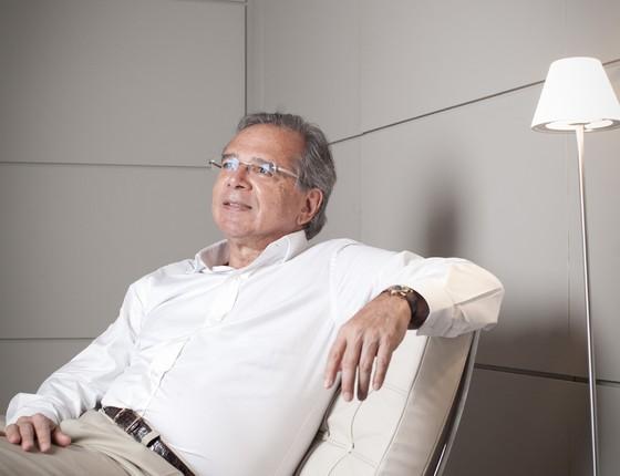 O economista Paulo Guedes durante entrevista (Foto: Letícia Moreira/ÉPOCA)
