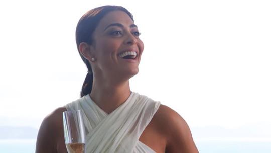 Ju Paes mostra lado mãezona e celebra 15 anos de carreira e 1ª antagonista; assista ao vídeo!