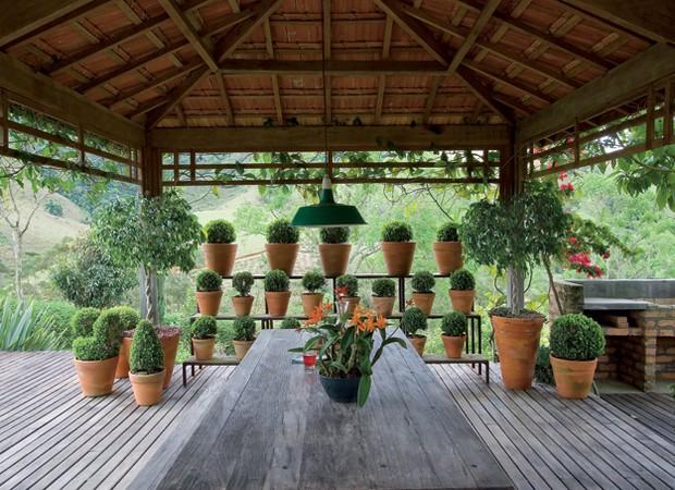 gazebo jardim madeira: plantas para criar estilos diferentes – Casa e Jardim