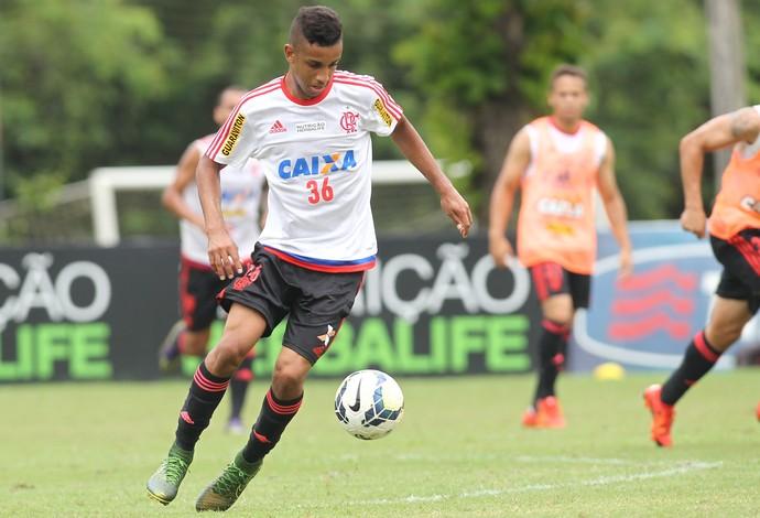 [Torcida Flamengo] Diretoria inicia planejamento pra 2017 e est� de olho em refor�o na lateral