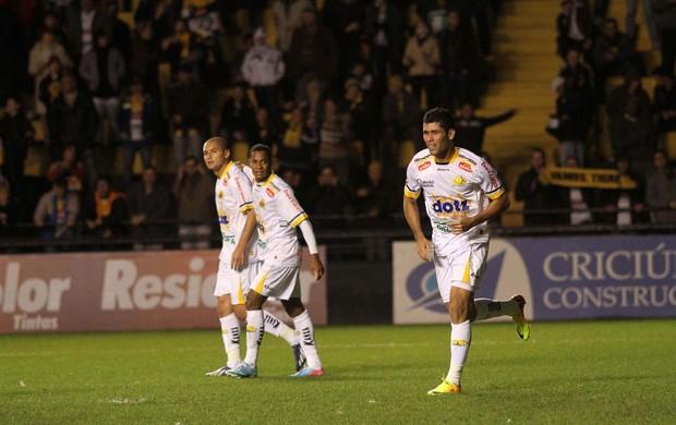 Marlon gol Criciúma x Náutico (Foto: Fernando Ribeiro / Ag. Estado)