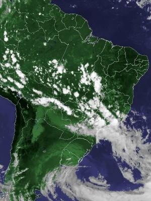 Imagem de satélite capturada na tarde desta terça-feira (23) (Foto: Reprodução/Cptec/Inpe)