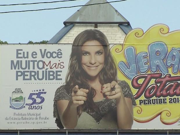 Banner divulga show de Ivete Sangalo no aniversário de Peruíbe, SP (Foto: Reprodução / TV Tribuna)