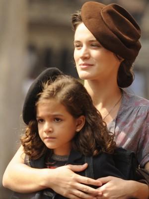 Amélia e Pérola (Foto: Divulgação/TV Globo)
