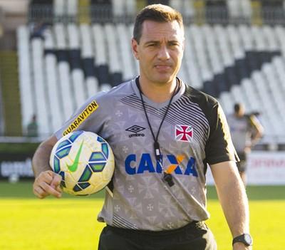 Doriva comandou treino fechado no Vasco nesta quinta-feira (Foto: Paulo Fernandes/Vasco.com.br)