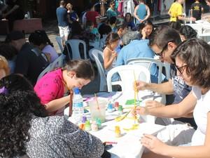 Pessoas de todas as idades poderão participar das oficinas de pintura (Foto: Divulgação)