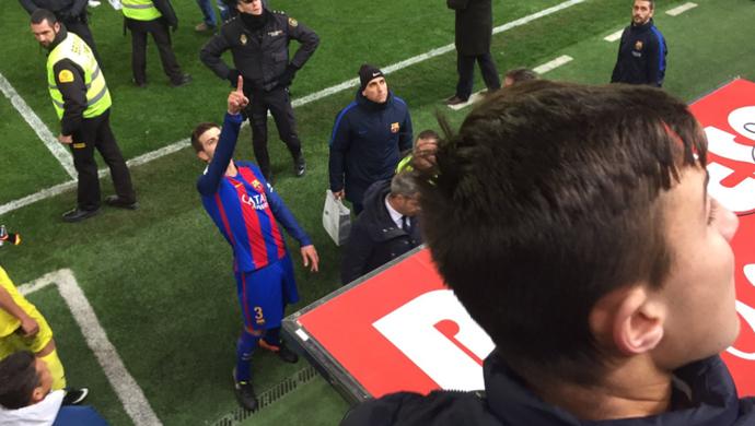 Piqué revoltado após jogo do Barcelona (Foto: Reprodução / Twitter)