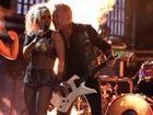 Grammy: Microfone do vocalista do Metallica falha e cantor se irrita