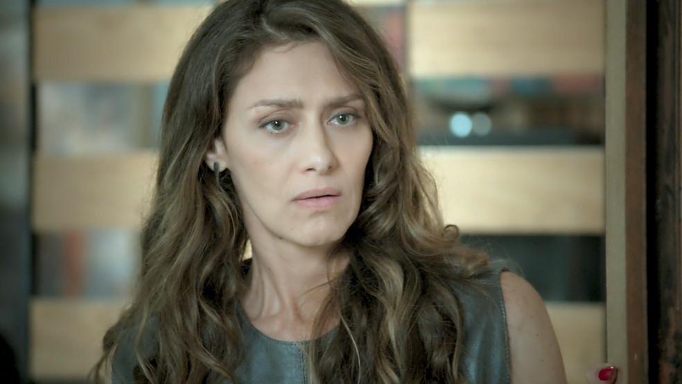 Joyce fica chocada ao ver Ritinha (Foto: TV Globo)