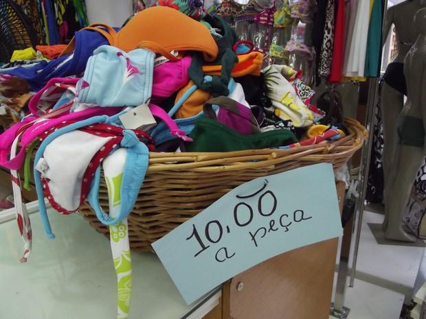 Cesta com peças a R$10,00 (Foto: João Phelipe Soares)