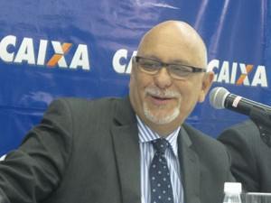Jorge Hereda, presidente da Caixa, anuncia os resultados de 2012 (Foto: Darlan Alvarenga/G1)