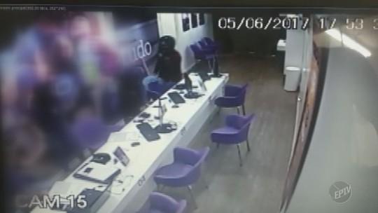 Câmeras de segurança flagram assaltos em Charqueada e São Pedro; veja