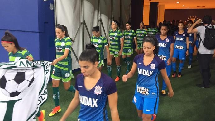 Iranduba e Corinthians brasileiro feminino (Foto: Gabriel Mansur)