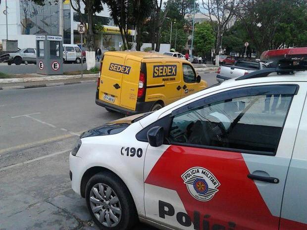Carro dos Correios foi recuperado pela PM  (Foto: Divulgação / Polícia Militar)
