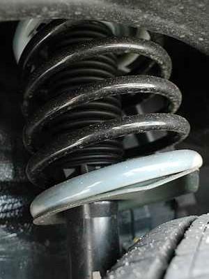 Lei permite apenas molas alteradas que tenham sido devidamente certificadas (Foto: Autoesporte)