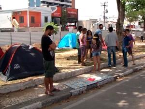 Grupo ocupa obra do BRT em Feira de Santana, na Bahia (Foto: Imagem/TV Subaé)