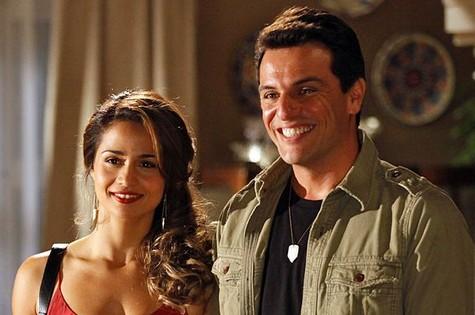 Nanda Costa e Rodrigo Lombardi em 'Salve Jorge' (Foto: Divulgação/TV Globo)