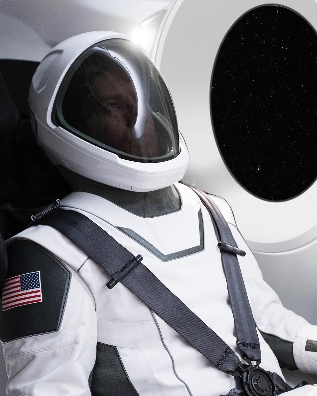 Traje da SpaceX (Foto: Reprodução/Instagram)
