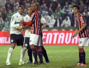 Jogadores do Coritiba comemoram vitória sobre o São Paulo na Copa do Brasil (Foto: Divulgação/site oficial do Coritiba Foot Ball Club)