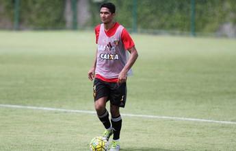 """Sincero, Durval revela sentimento ao sair do time do Sport: """"P... da vida"""""""