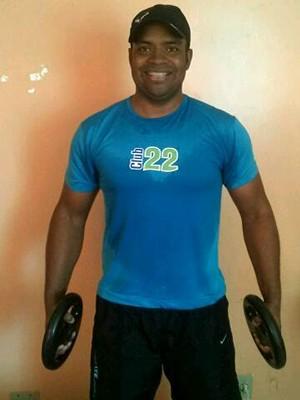 Warley diz que a musculação melhorou muito sua vida (Foto: Arquivo pessoal/Warley Ribeiro)