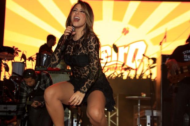 Alinne Rosa faz show no Mato Grosso do Sul (Foto: Thais Aline e Danilo Carvalho / Ag. Fio Condutor)