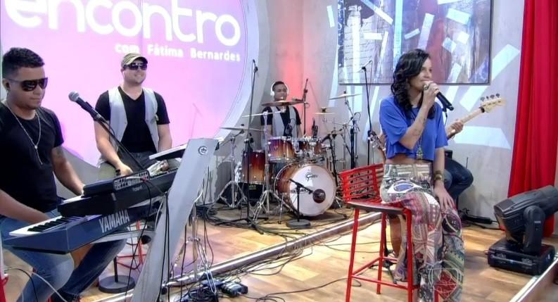 Ju Moraes se apresenta no Encontro (Foto: Divulgação)