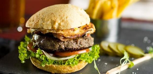 Hambúrguer no pão de queijo (Foto: Divulgação)