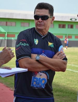 Gilmar Sales, diretor de futebol e novo técnico do Atlético-AC (Foto: João Paulo Maia)