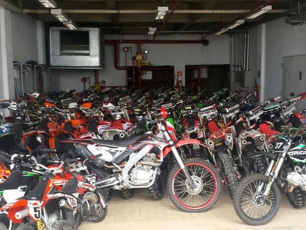 Motos ilegais são apreendidas na região de Piracicaba (Foto: Laila Braghero/G1)