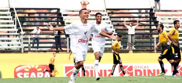Léo Jaime comemora gol pelo Bragantino (Foto: Fábio Moraes/ Clube Atlético Bragantino)